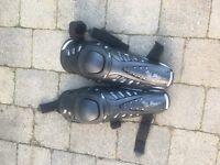Motocross knee Garuds