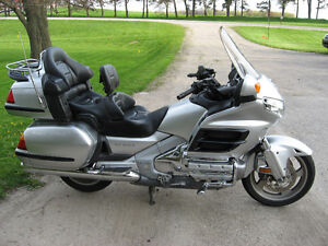 2005 GL1800a Gold Wing with ABS - excellent price!