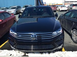 2015 Touareg V6 3.6 FSI  (8000KM) Finance available