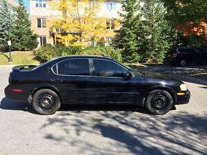 USED CAR: NISSAN Maxima SE Sedan 2000 black V6 3.0L