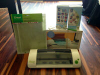 Cricut Mini with accessories