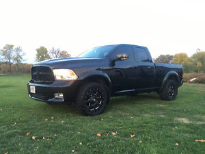 Fully loaded!! Hemi 400+hp with heated and ac seats