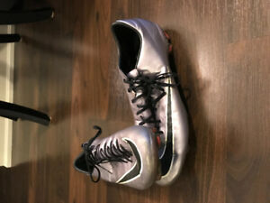 Nike Purple/Silver Soccer cleats