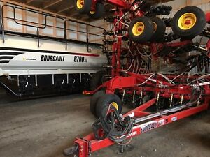 BOURGAULT 3320-66 XTC & 6700ST Air Seeder