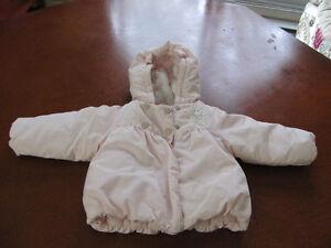 manteaux d'automne pour fille 12mois a vendre***