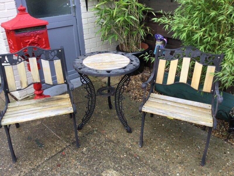 garden table and chairs cast iron very strong set - Garden Furniture Kings Lynn