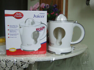 Betty Crocker Citrus Juicer