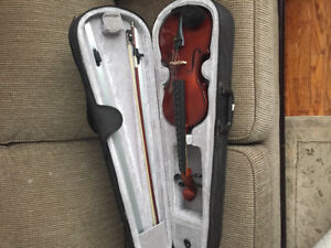 Classic line violin size 4/4. Needs new strings, good condition
