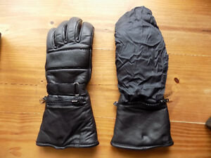 Motorcycle Gloves with Nylon Rain Covers