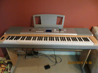 High end Yamaha Digital Piano - DGX 620