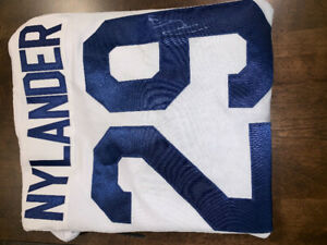 Toronto Maple leafs Autographed NHL Signed Jersey
