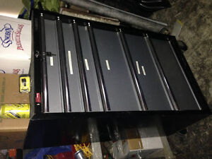 Must be sold husky 6 drawer chest