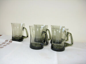 Set of 5 elegant, Scandinavian design mugs