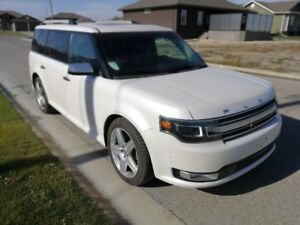 2013 FORD FLEX LIMITED- FULLY LOADED!!!