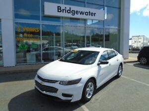 2017 CHEVROLET MALIBU LIKE NEW!
