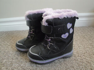 3M Thinsulate Black and Purple Winter Boots Size 8 Lightly Used London Ontario image 2