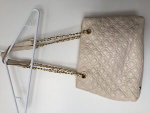 GUESS Leather Purse Cambridge Kitchener Area image 3