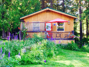Cozy Pet-Friendly Cottage Nelson Kootenay Lake NO PET FEE