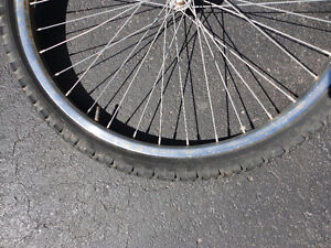 26 inches bike front wheel with rim London Ontario image 7