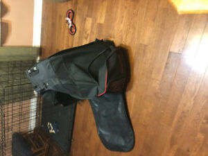 Used hockey bag on wheels-great condition. No rips.