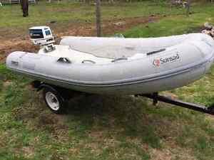 Zodiac dinghy avec moteur 20hp et remorque