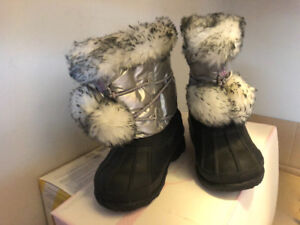 Toddler winter boots - size 6