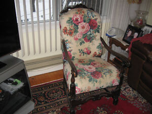 Loius XIV Style Chair / Chaise Vintage Re-upholstered