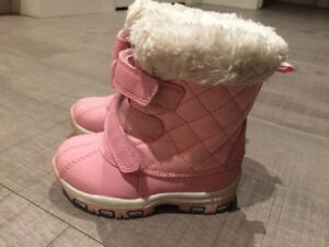 Toddler Boots (size 5)