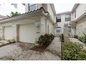 **LOCATED IN FORT MYERS, FL - GORGEOUS CONDO ***