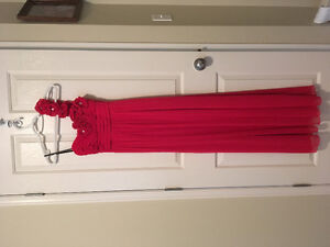 Size 1 red floral gown