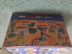 Selling naruto figures