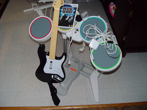Rock band, Guitard drum et micro et guitare comme neuf