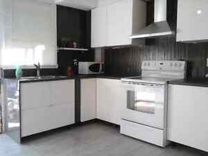 Room to rent to worker or student. Chambre a louer