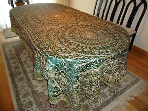 Beautifully Embroidered Dining Table Covers West Island Greater Montréal image 5