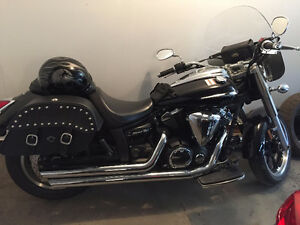 2009 Yamaha V-Star 950 Motorcycle - LIKE NEW - LOW KMS + Extras