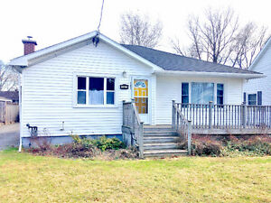 East End Bungalow, Prime Location w/ Large Detached Garage