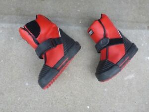 Children's NEOS overshoes size 8-9.5