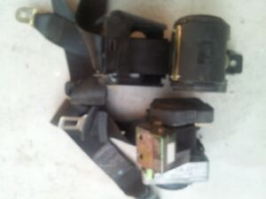 VW Passat seat safety belts Windsor Region Ontario image 1