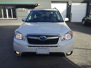 2014 Subaru Forester 2.5i Touring Package (LOW MILE)