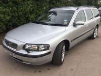Volvo V70 2.4 SE**AUTOMATIC ESTATE CARS**170BHP**1 OWNER**FSH**