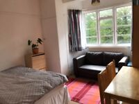Large Double room in an amazing location West hampstead