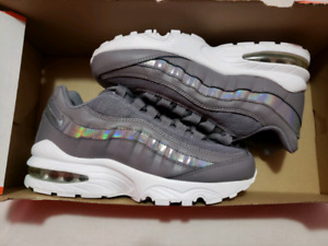 DS Air Max 95 SE Size 3.5 Youth = size 5 women $50