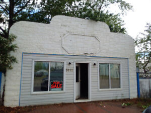 hot deal on commercial building in Girouxville. alta