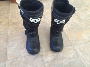 Youth Fox MOTOCROSS BOOTS SIZE 2