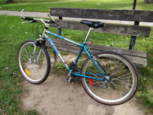 21speed Hybrid bike fast-lite perfect working condition Downtown