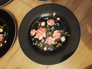 """Urban Outfitters - Plate set 8.5"""" x 4 - NEW"""