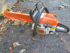 "Stihl MS211 gas Chainsaw 15"" bar"