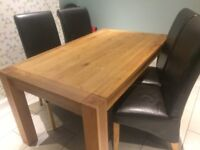 Solid oak dining table (6 chairs)