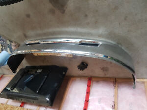 DODGE RAM 1500 FRONT  CHROME BUMPER EXCELLENT SHAPE