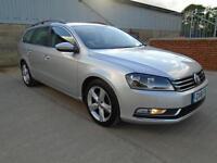 AMAZING VALUE 2012 Volkswagen Passat ESTATE 1.6 SE DIESEL ** SAT-NAV ** 1 OWNER